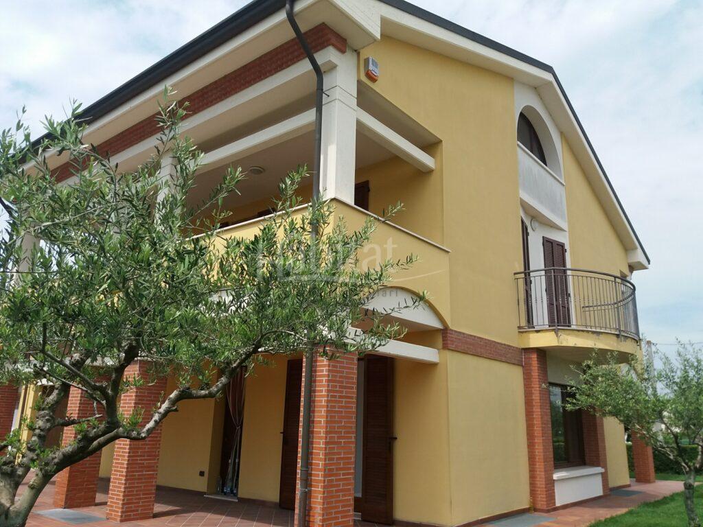 Villa a Pievesestina