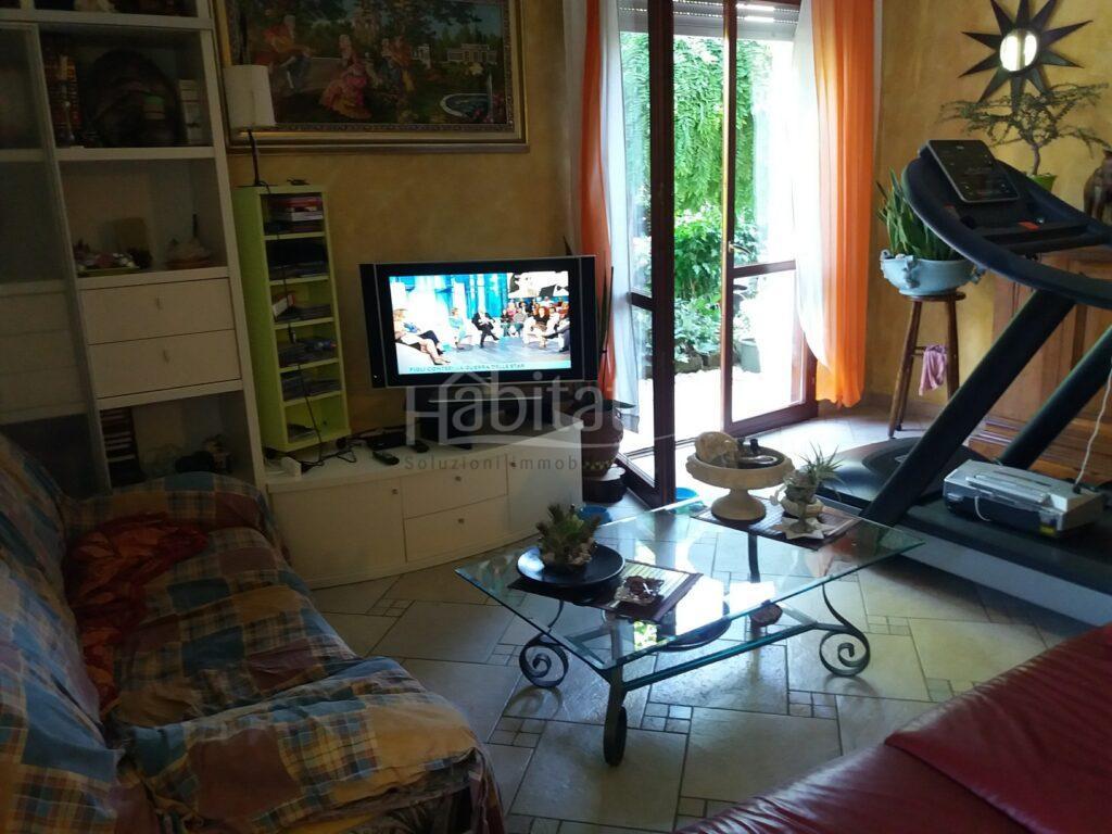 Appartamento al piano terra con giardino a Calisese